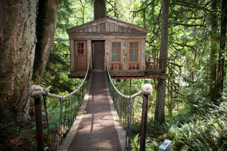 treehouse-point-896x597